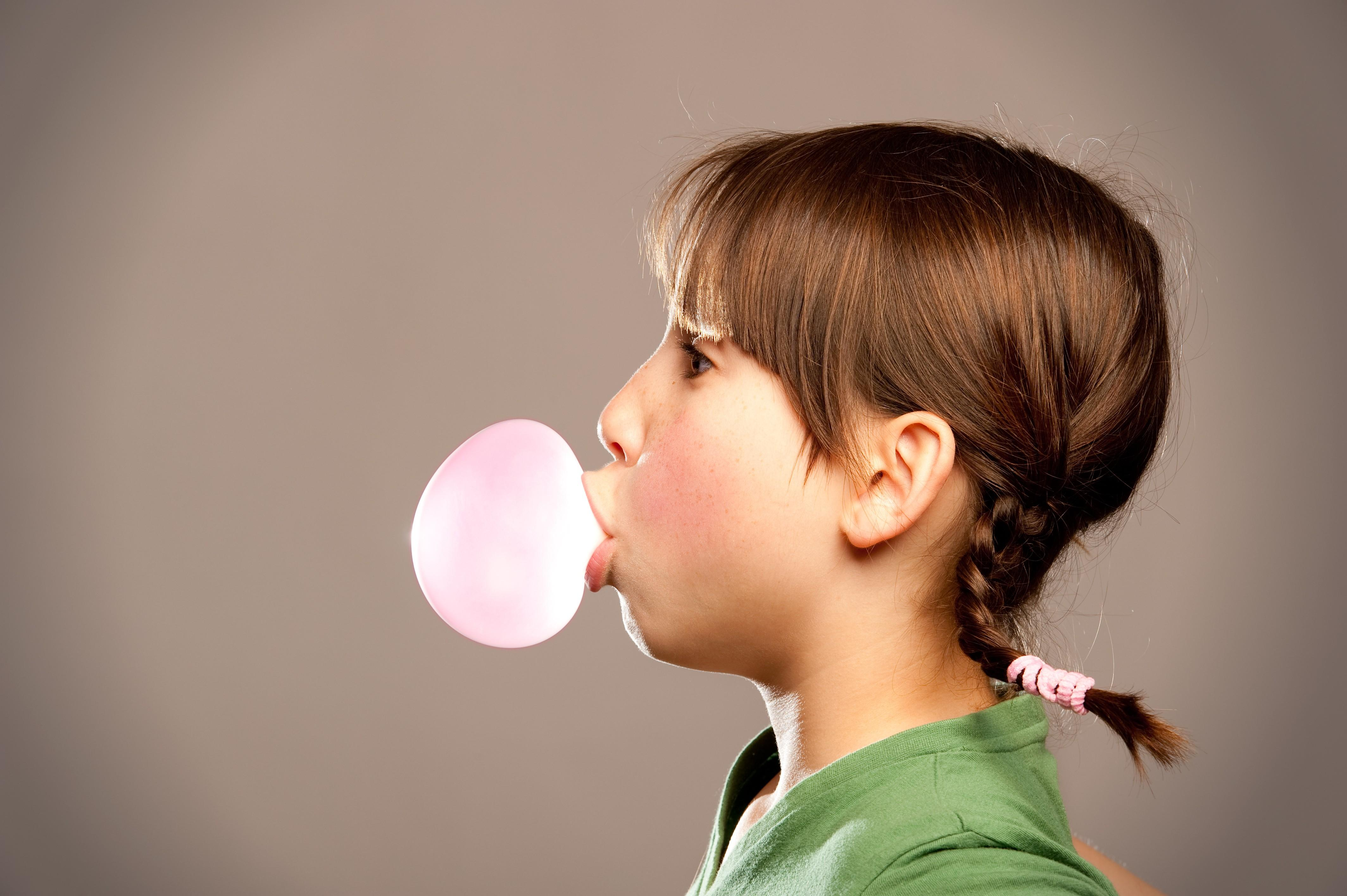 bubble with chewing gum iamge