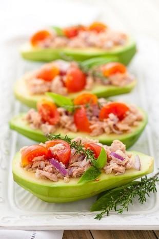 lifespa image, avocado, tuna and tomato salad