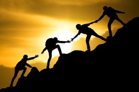 lifespa-image-brain-evolution-teamwork-giving-a-hand-mountain-hiking-community.