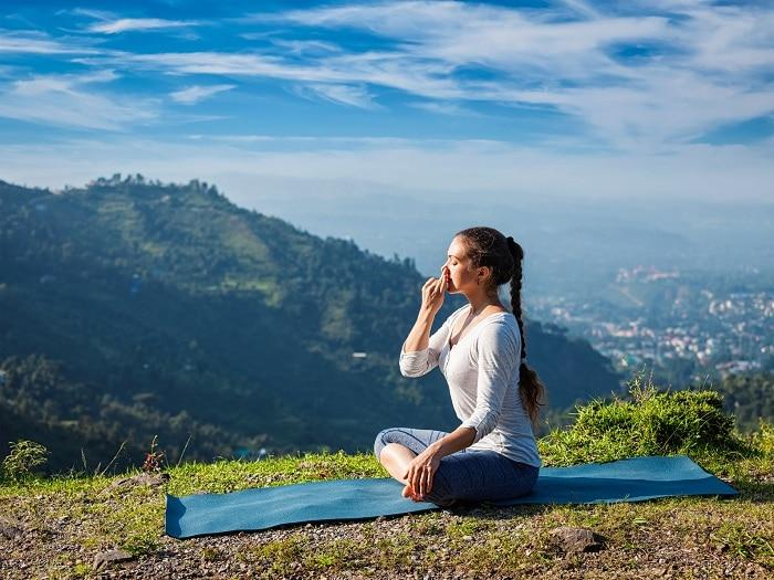 How Does Pranayama Work The Science Of Breath Retention Kumbhaka John Douillard S Lifespa Ayurveda Natural Health
