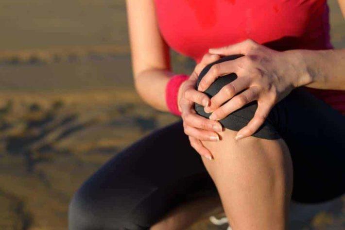 https://lifespa.com/wp-content/uploads/2011/10/thyroid-screening_joint-pain_image2.jpg